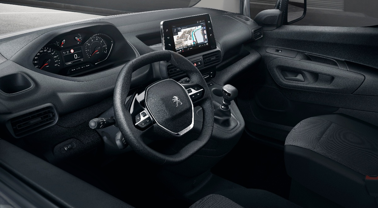 Peugeot_Partner_Cockpit-1
