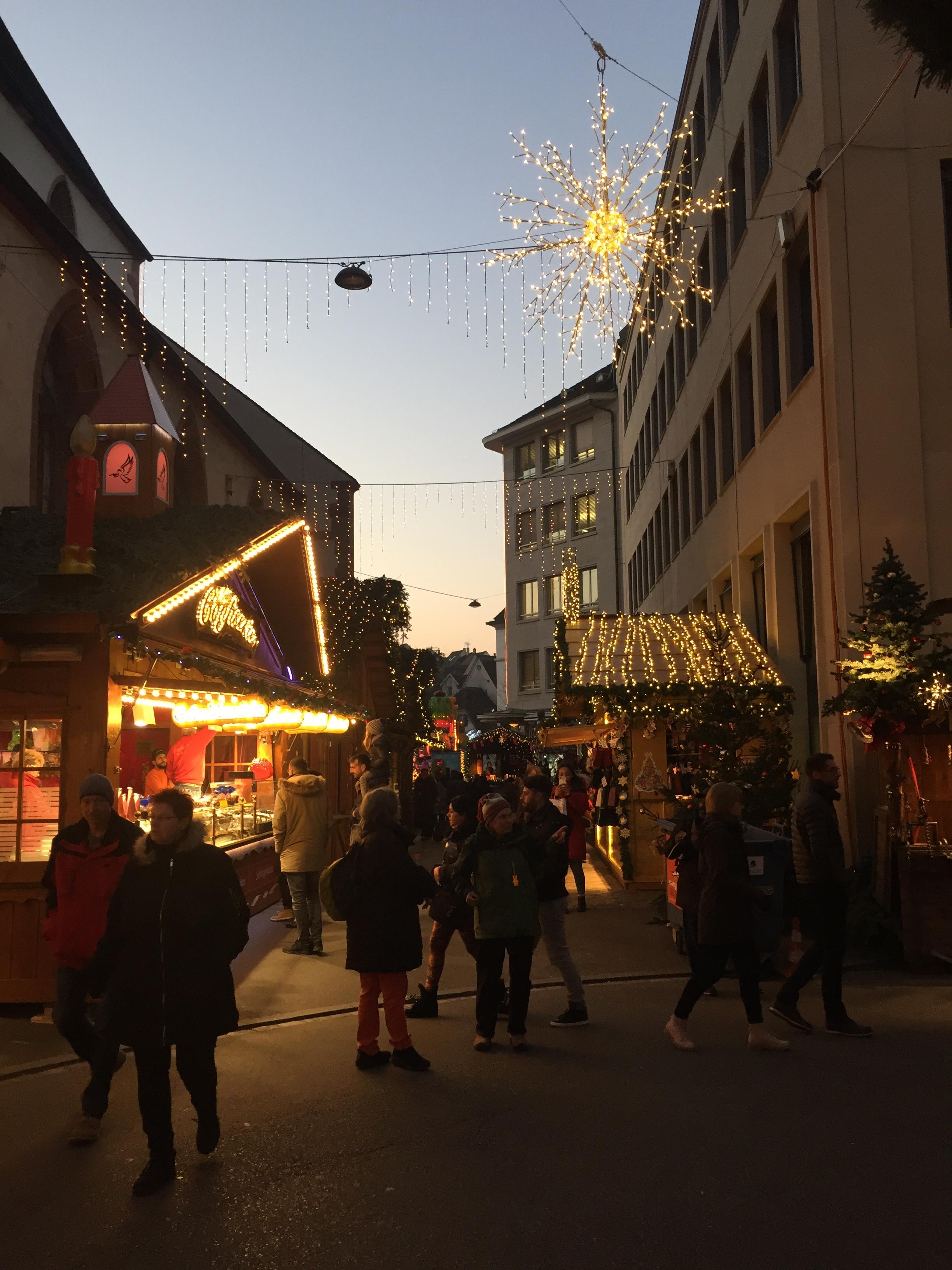 Basel erstrahlt in stimmungsvollem Licht