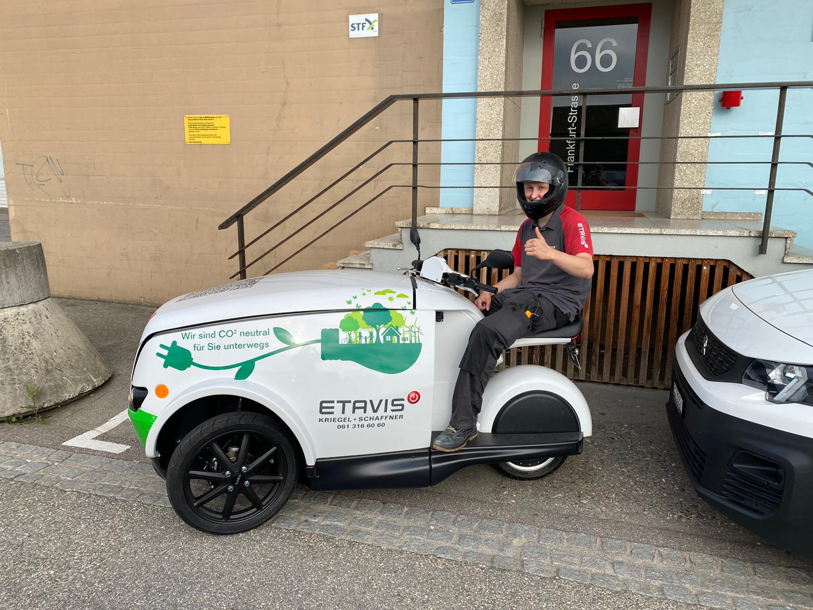 ETAVIS Kundendienst auf 3 Rädern: Nachhaltig unterwegs mit dem TRIPL
